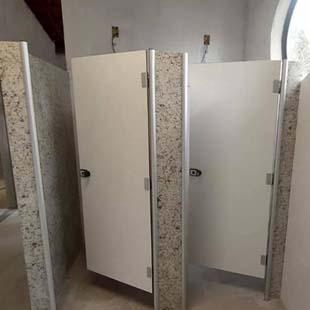 As melhores condições em portas para sanitário você encontra aqui
